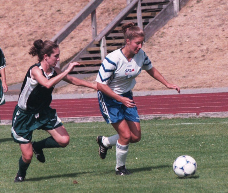 Randee Hermus (right) starred for the Simon Fraser Clan women's soccer team from 1997 to 2000, helping the Clan win one national championship and finish second another time.