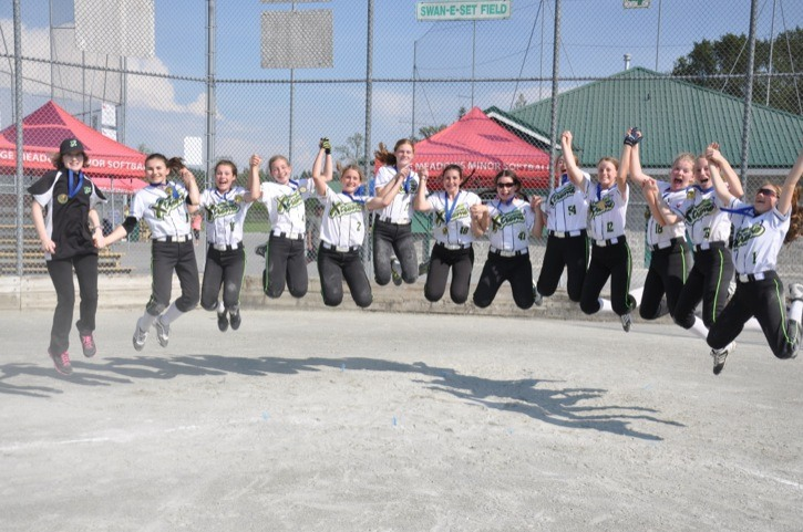 The Langley Xtreme 2001 rep B girls softball team was victorious at a Maple Ridge tournament over the weekend.