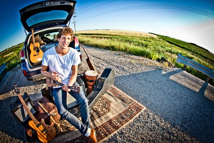 James Struthers, who has been compared to singers Jason Mraz, John Mayer and Jack Johnson, will perform alongside Laurell at the Watershed Café in Walnut Grove this weekend.