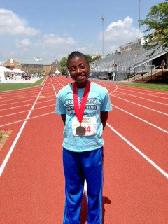 Samantha Ogbeiwi with her silver medal in Pennsylvania.