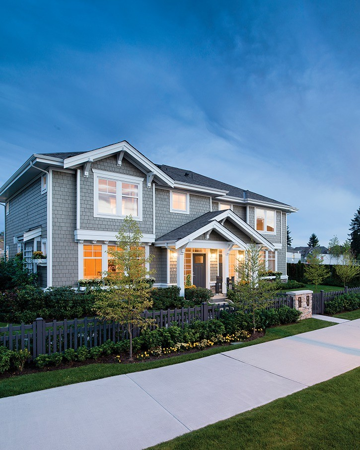 Polygon's Lakeside at Sunstone offers master-on-main plans for added convenience.