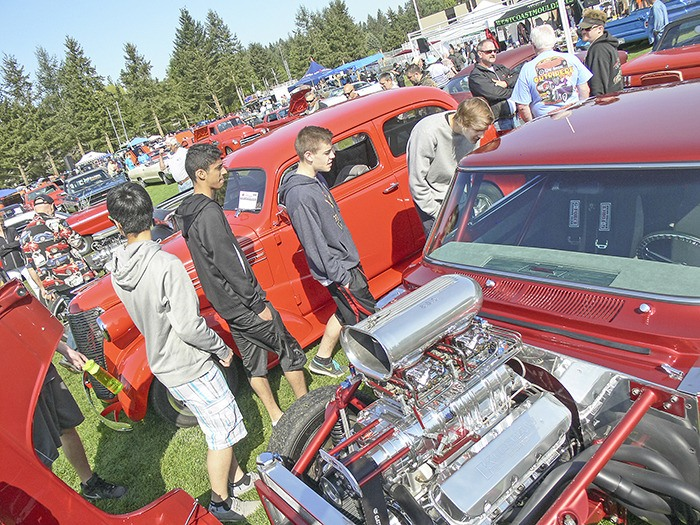 It was perfect weather for a car and truck show and the result was a big turnout of vehicles and viewers at the DW Poppy school fundraiser on Sunday.