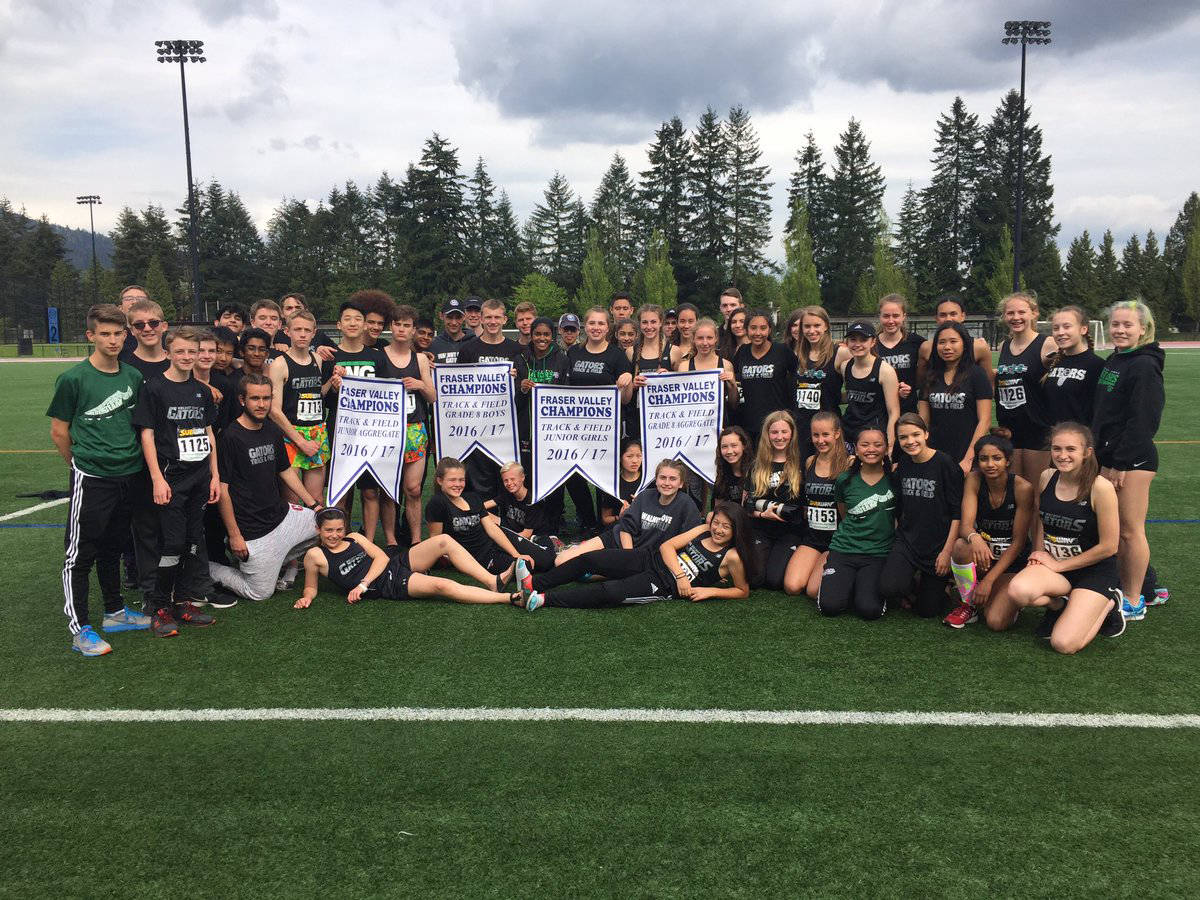 The Walnut Grove Gators won the Grade 8 boys, the Grade 8 aggregate, the junior girls, and the junior aggregate Fraser Valley banners. Gary Lutes photo