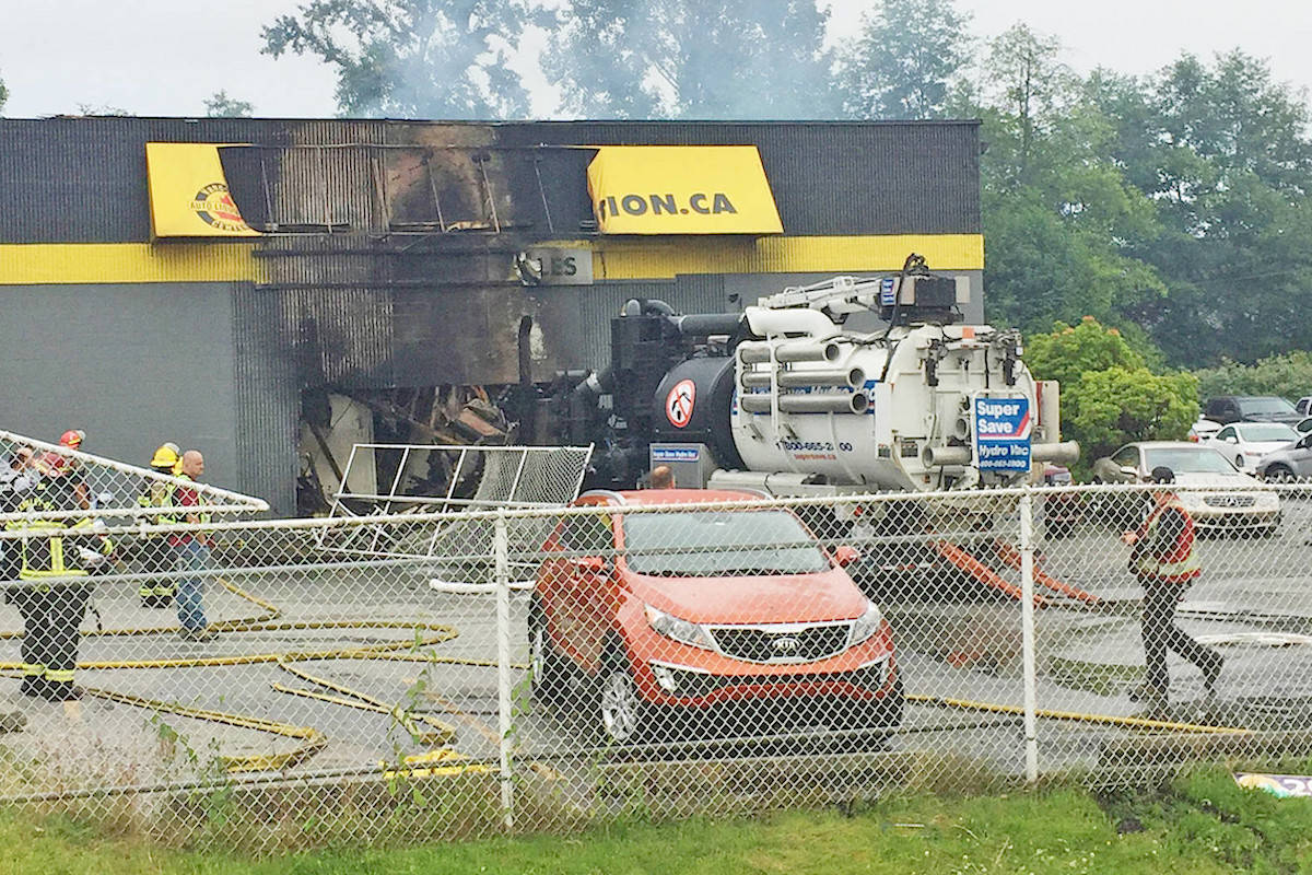Used Cars Langley >> Video Langley City Auto Dealership Fire Caused 1 Million
