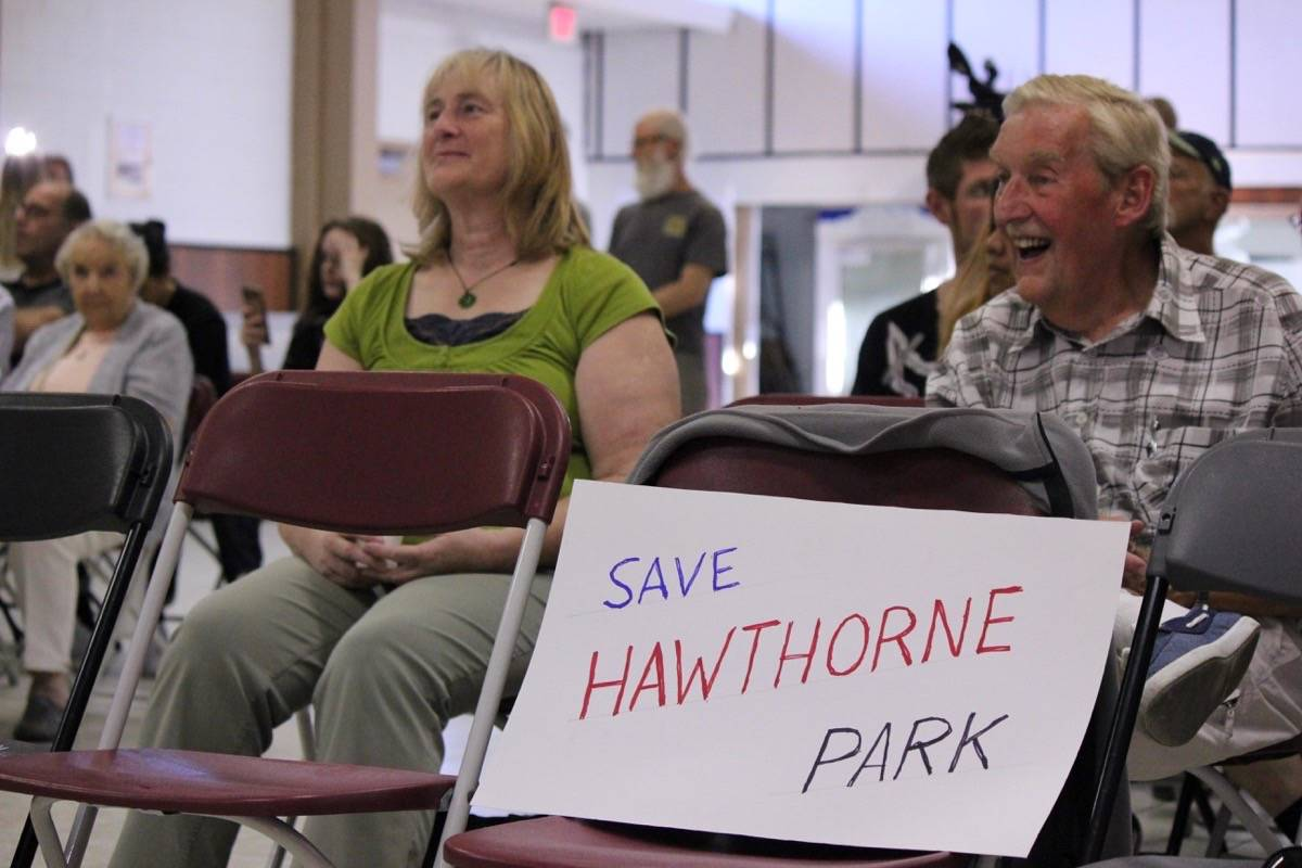 Former Surrey mayor lends support to 'Save Hawthorne Park' ralliers