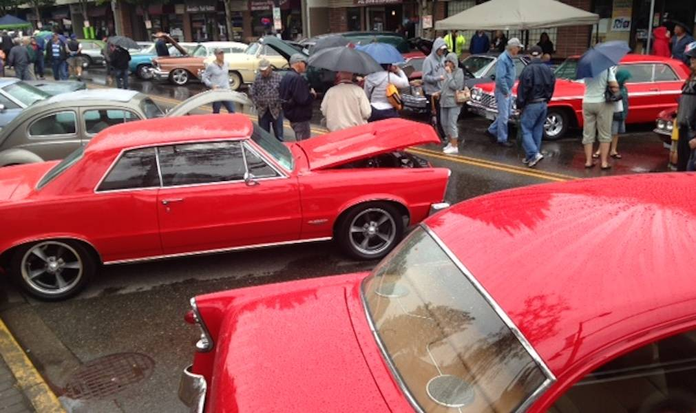 VIDEO: Cruise-In livens up downtown Aldergrove