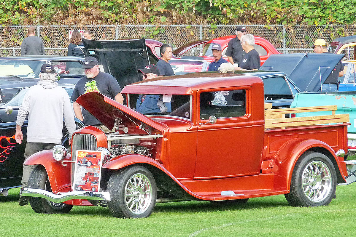 Updated Strong Turnout For First Brookswood Secondary Car Show - Custom car show videos