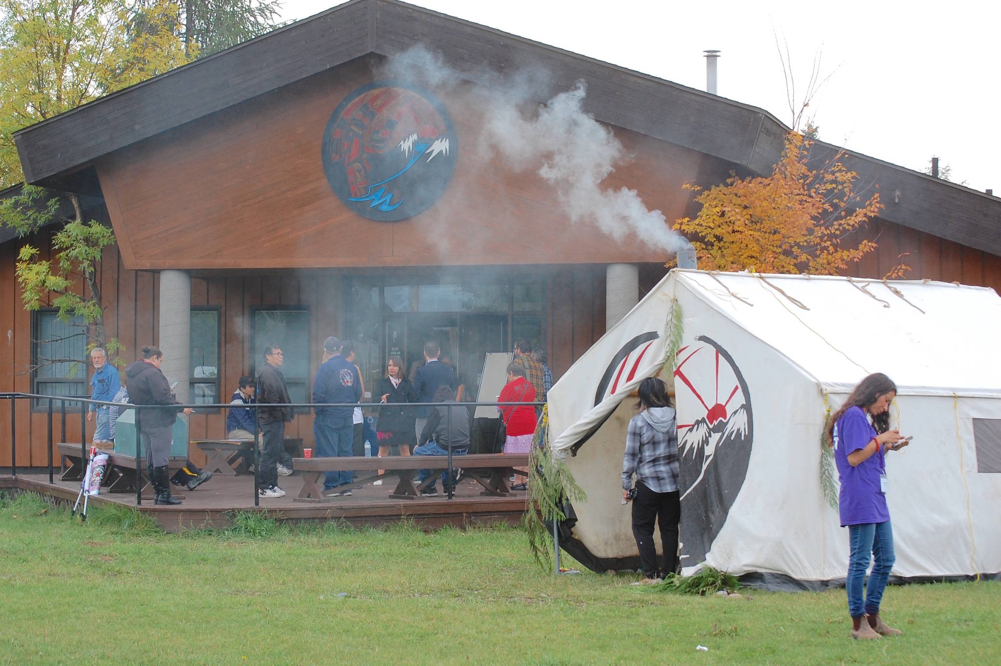 A sacred fire burns during the community hearings. (Marisca Bakker photo)
