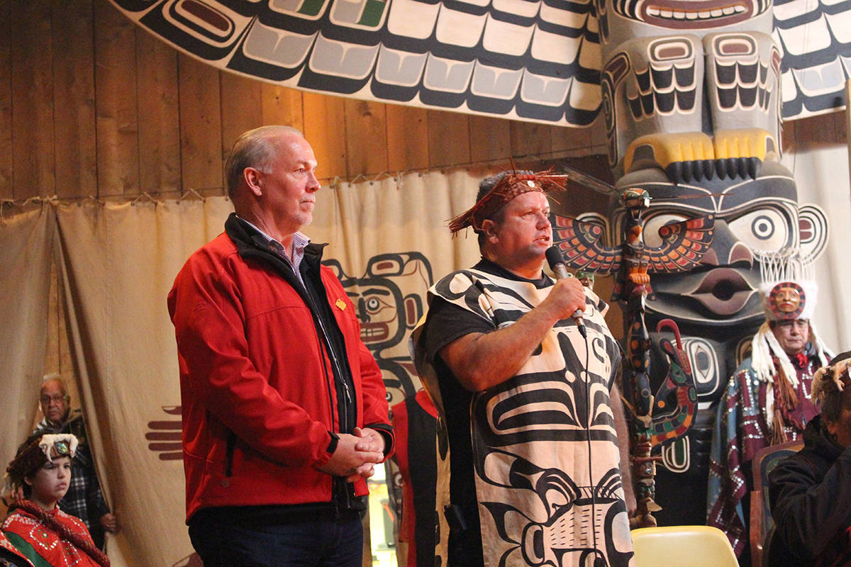 Premier John Horgan and 'Namgis Chief Don Svanvik meet at Alert Bay over opposition to salmon farming, Oct. 12, 2017. (Hanna Petersen/North Island Gazette)