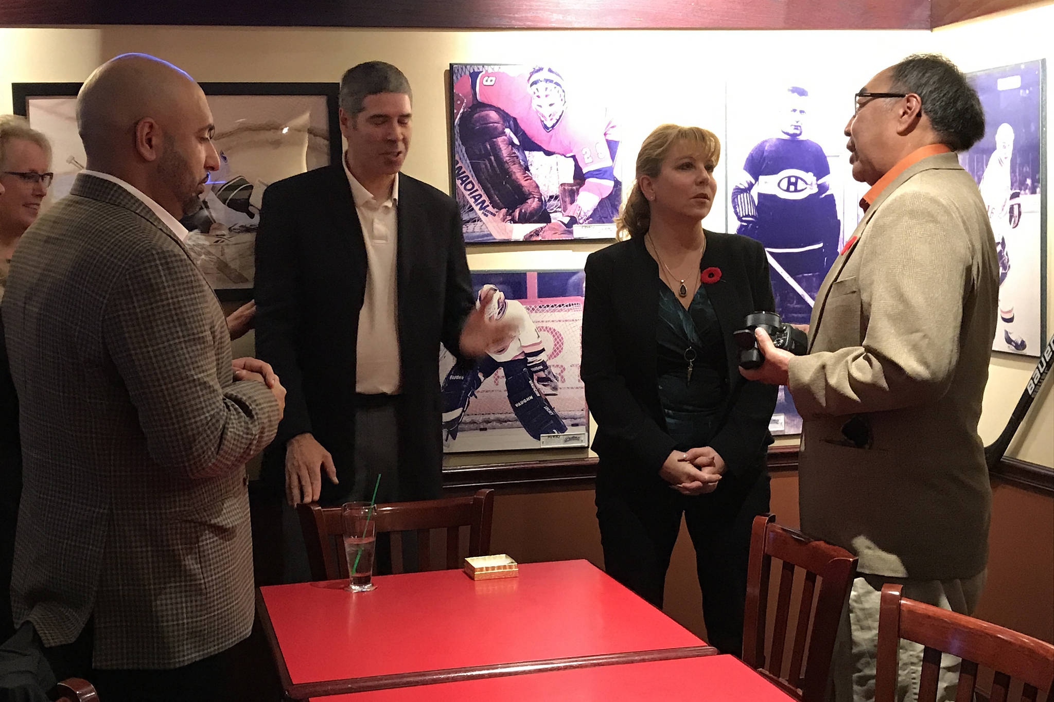 BC Liberal leadership candidate Dianne Watts, second from right, speaks with Jeff Cook from the Huu-ay-aht First Nations as others wait their turn at a meet and greet Saturday night in Port Alberni. SUSAN QUINN PHOTO