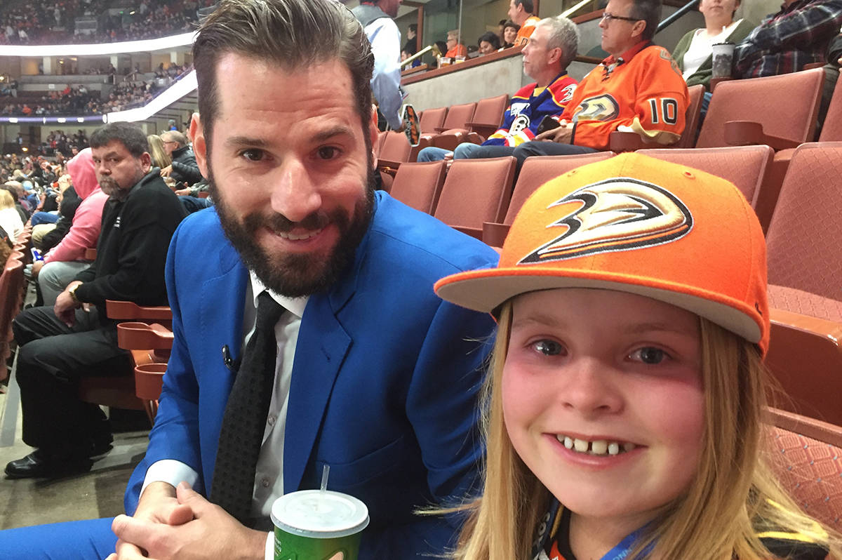 VIDEO: Young B.C. hockey fan gets to hang with injured Ryan Kesler