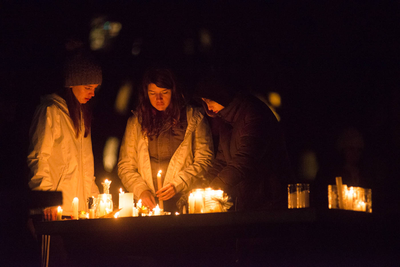 Hundreds gathered in a vigil last night to remember two Oak Bay children found dead on Christmas Day. (Keri Coles/Oak Bay News)