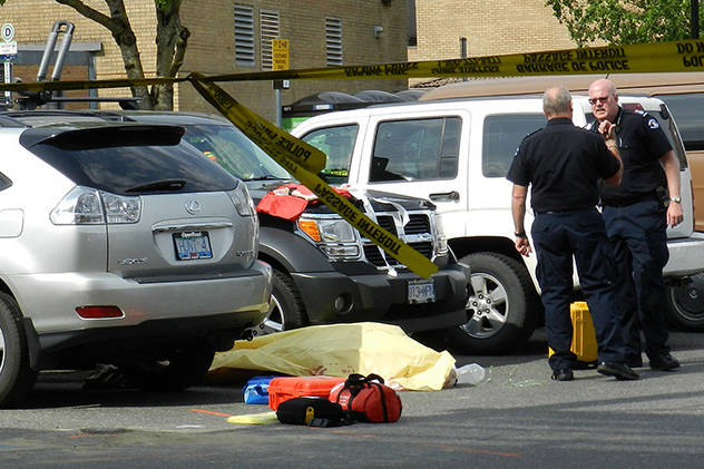 RCMP and paramedics attempt to resuscitate Rob Splitt who was stabbed multiple times in a Chilliwack parking lot on May 3, 2016. (Progress file)                                Greg Knill/ Progress file                                RCMP and paramedics attempt to resuscitate Robert Splitt who was stabbed multiple times in a Chilliwack parking lot on May 3, 2016.