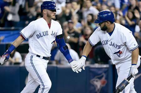 Rogers considers selling Toronto Blue Jays