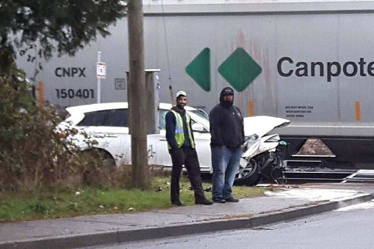 UPDATED: Train collides with car in Maple Ridge