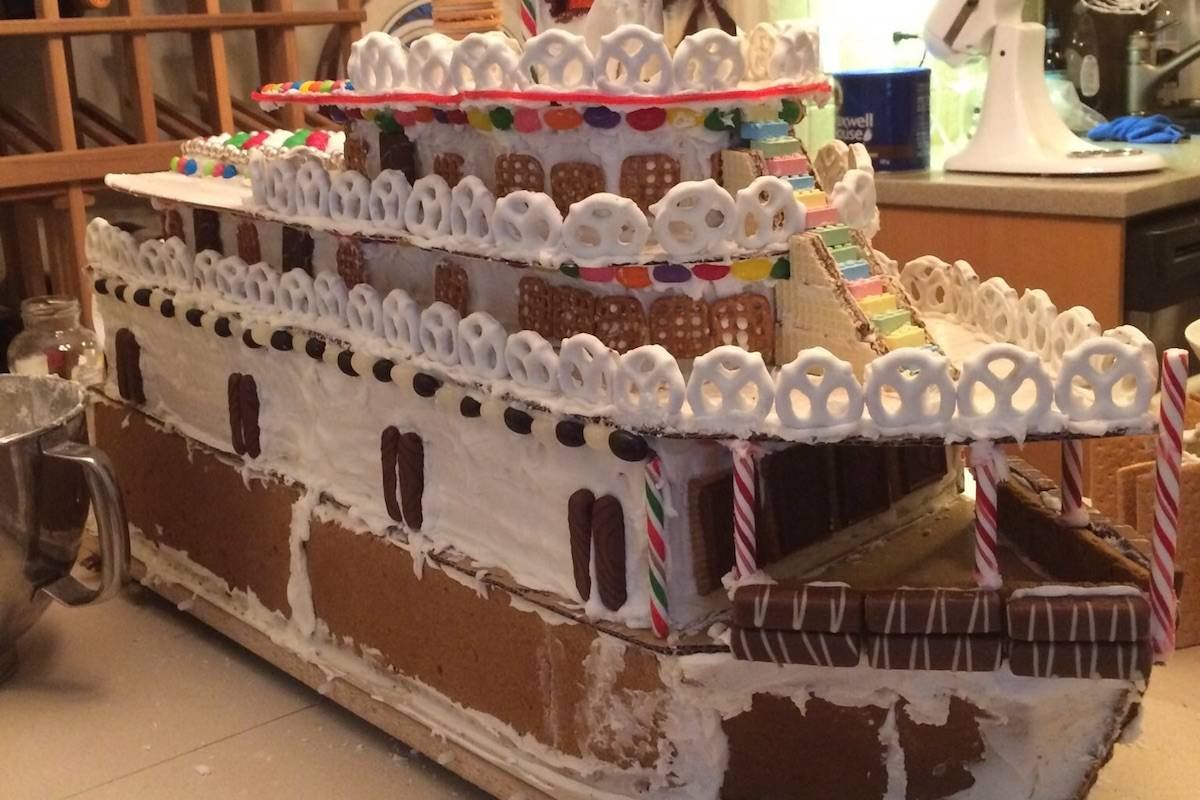 Sweet Sicamous! Family makes gingerbread model of historic B.C. ship