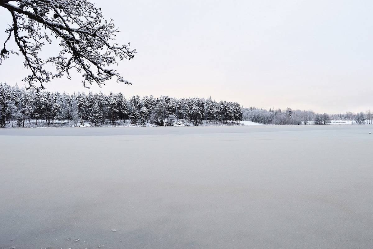 A deep freeze settles in across country