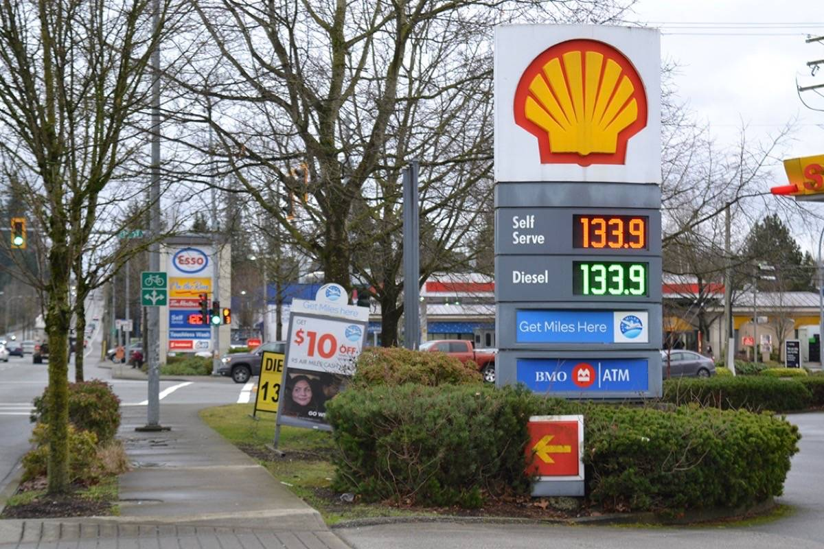 Why do gas prices in Langley vary so greatly?