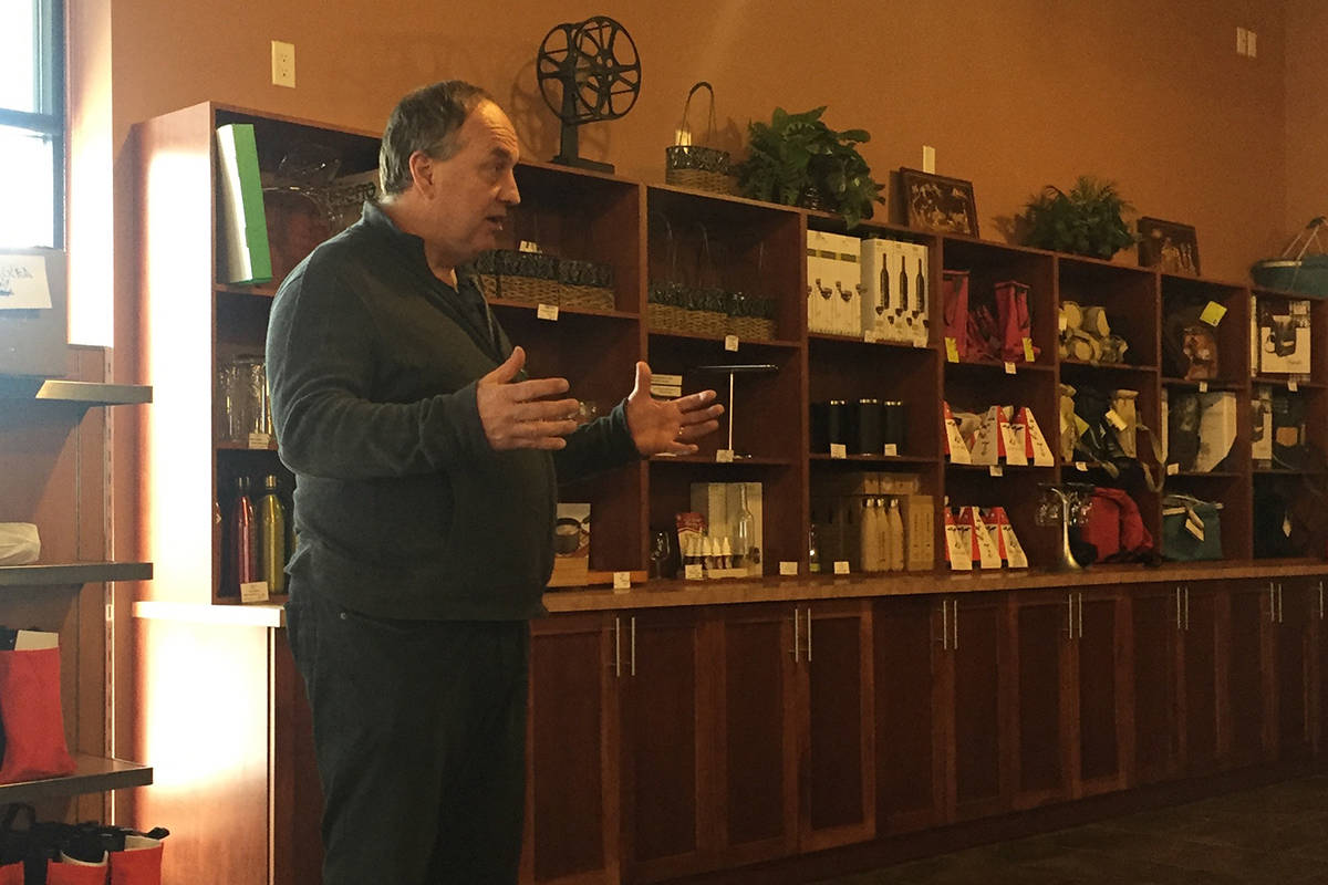 B.C. Green Party leader Andrew Weaver speaks in West Kelowna Friday about Alberta's ban on importing B.C. wine and B.C. Premier John Horgan's position on the planned Trans Mountain Pipeline.—Image: Alistair Waters/Capital News