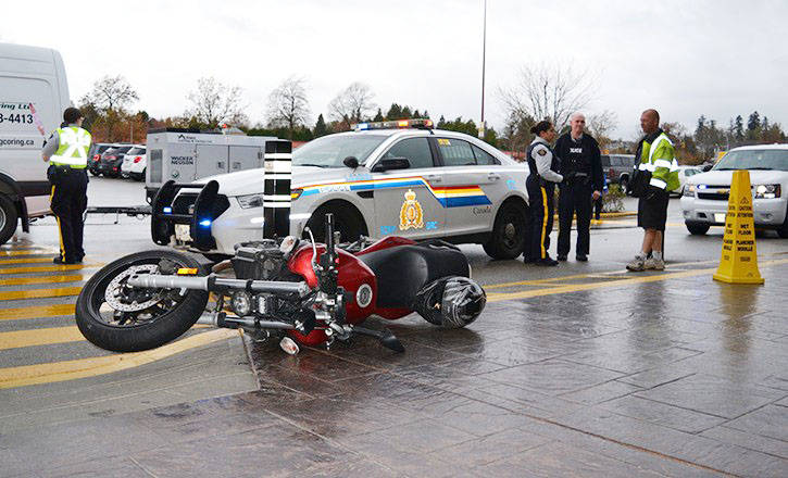 Brent Charpentier ditched this stolen bike at the entrance of Willowbrook mall in October 2016 after jumping the border. He was arrested in a van a short time later. On Monday, March 5, he pleaded guilty and will be sentenced March 28. Langley Times file photo