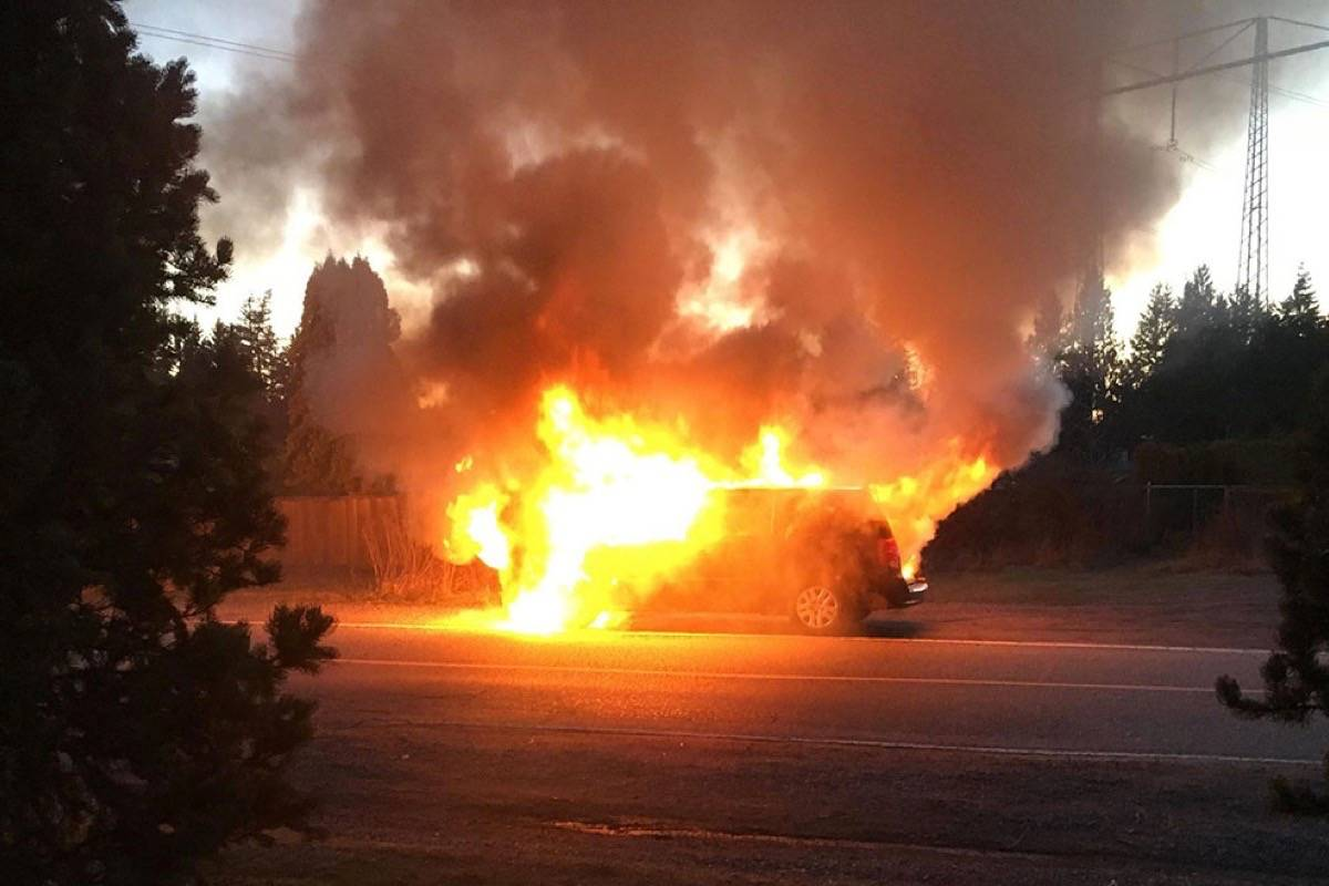 VIDEO: Two escape just in time when van engine catches fire