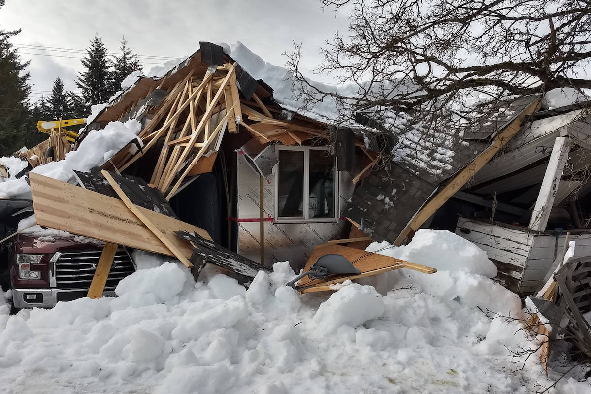 PHOTOS: 2 homes collapse under heavy snow load in B.C.