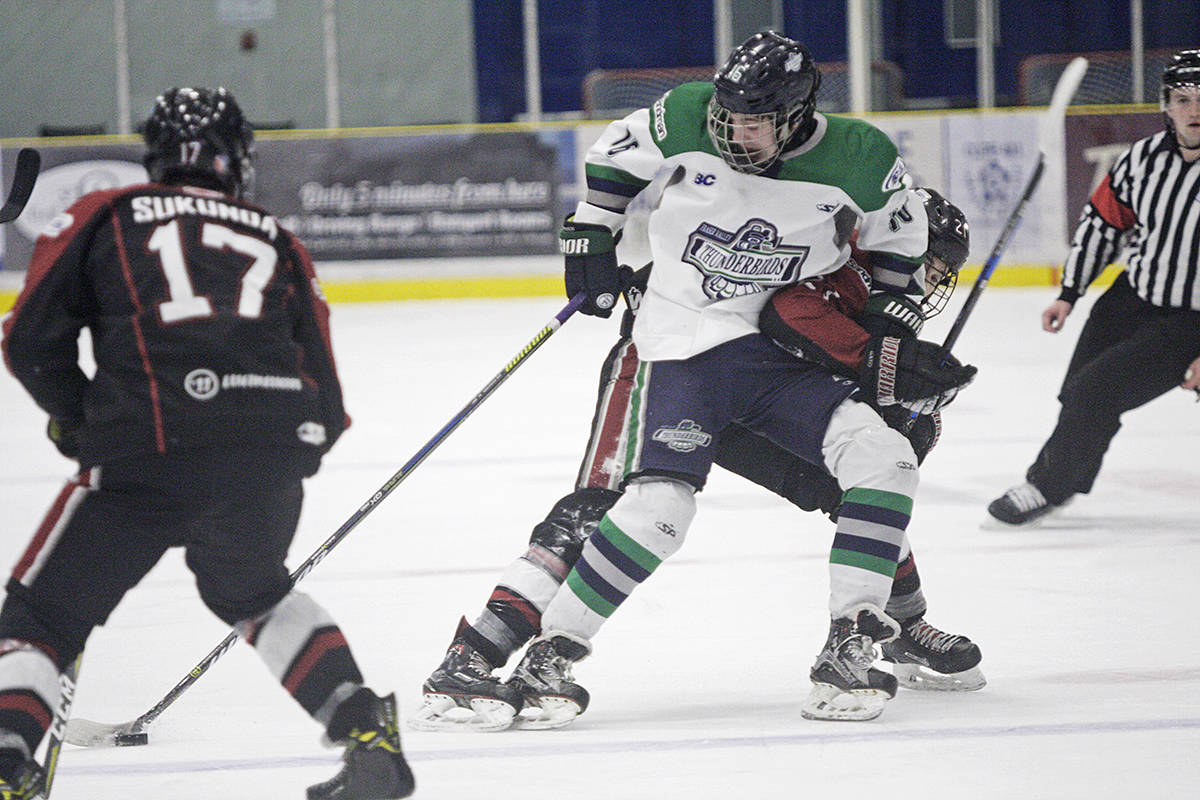 Thunderbirds rally, rout Giants to advance to championship series