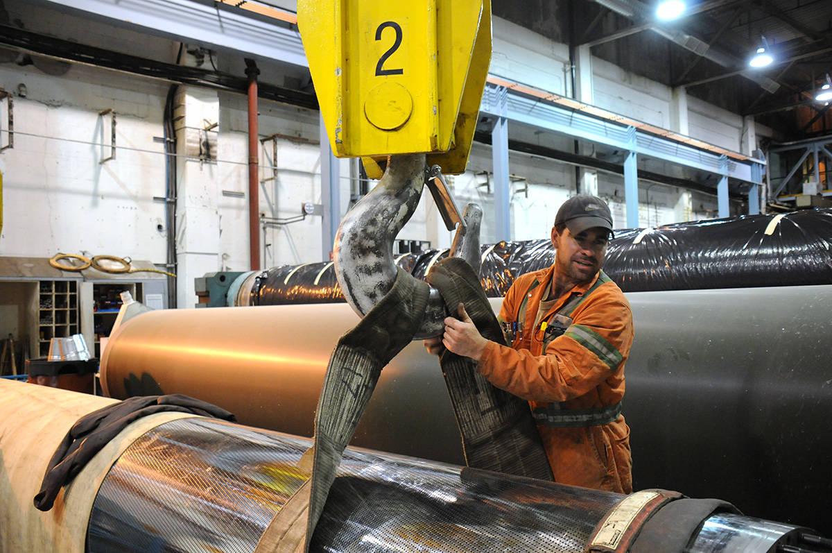 Union says Trump bullying threatens hundreds of B C  pulp mill jobs