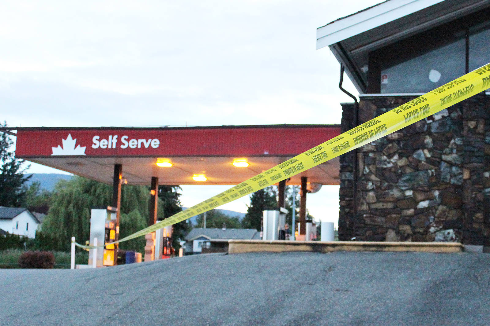 A suspect was seriously injured in a gas station robbery attempt in Nanaimo on the weekend. (Karl Yu/The News Bulletin)
