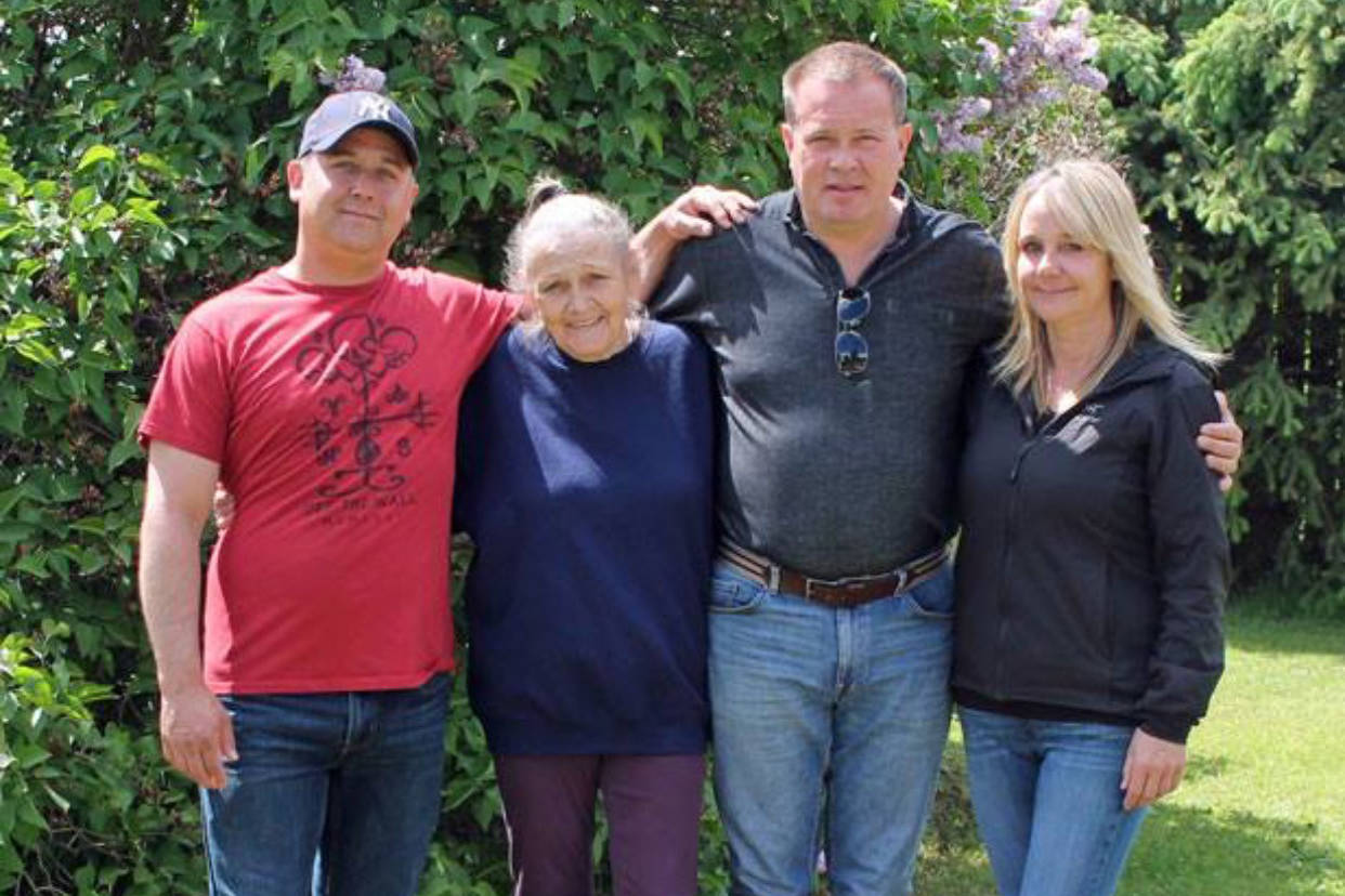 David Hjerto (centre right) meets his brother Richard (far left) and sister Robbin (far right) for the first time after reaching out to his biological mom Patsy (centre right) and reuniting with her.                                Contributed photo