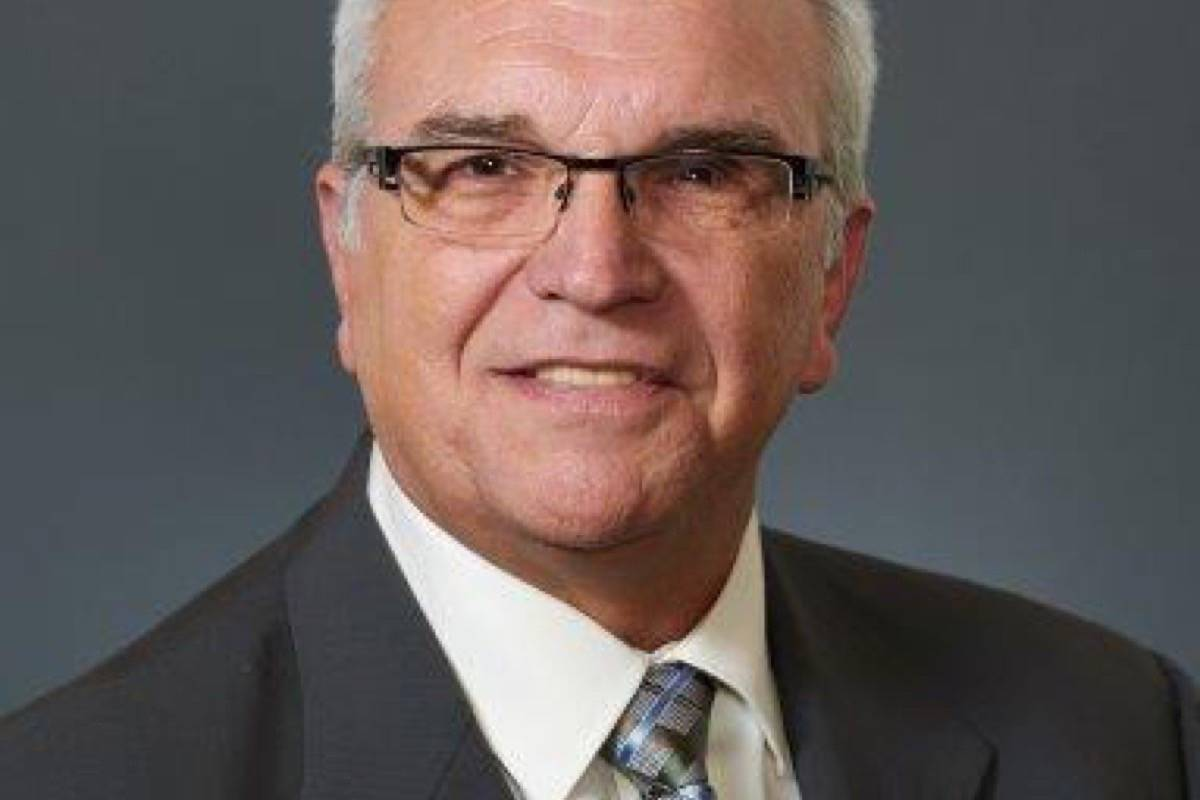 Albrecht relinquishes bid for mayor's chair