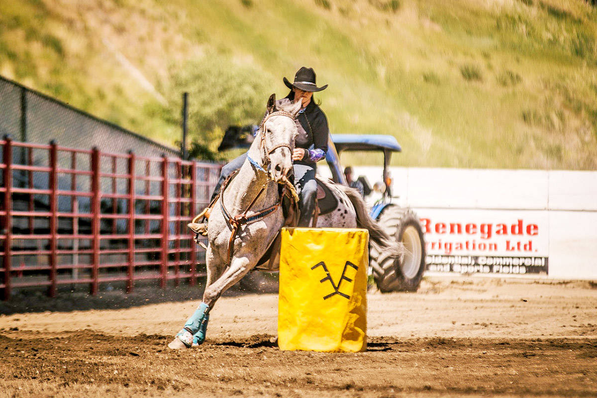 Twyla Bendickson barrel races on Curly during the 2017 Stampede Warm Up Barrel Racing event in Williams Lake. Bella Johnson photo