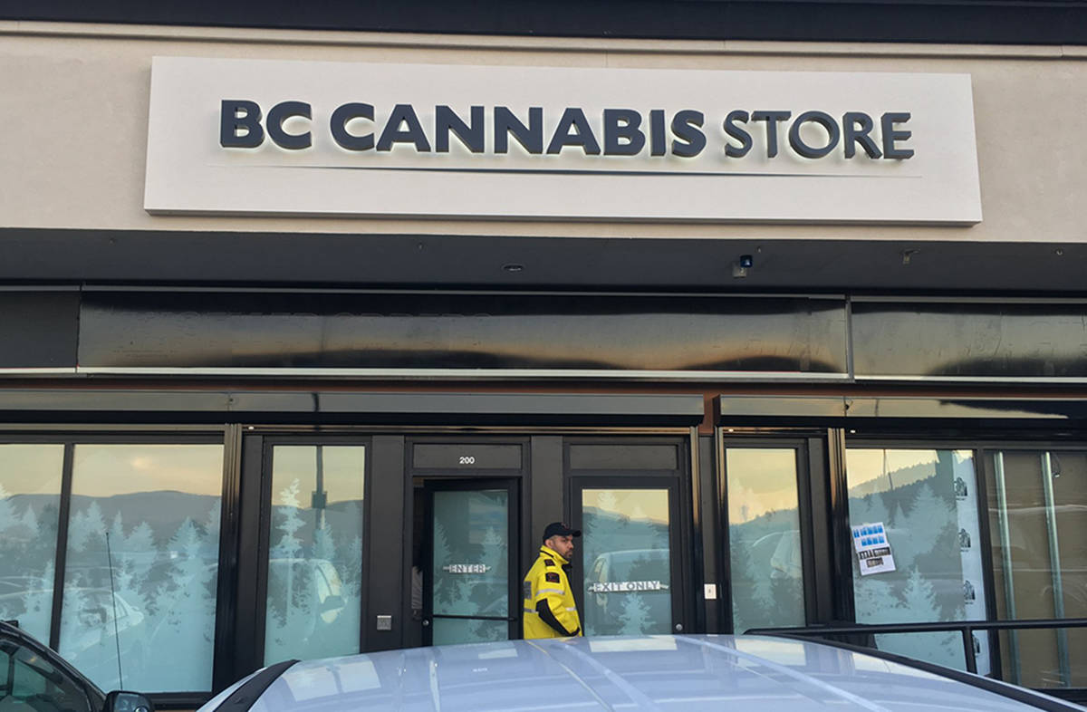 Security guard out front the first B.C. Cannabis Store in Kamloops ahead of Wednesday's legalization. (Ian Mitchell/Twitter)