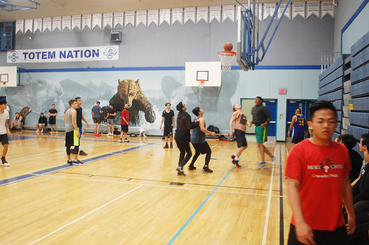 Free 'hoops' fun brings Aldergrove youths together