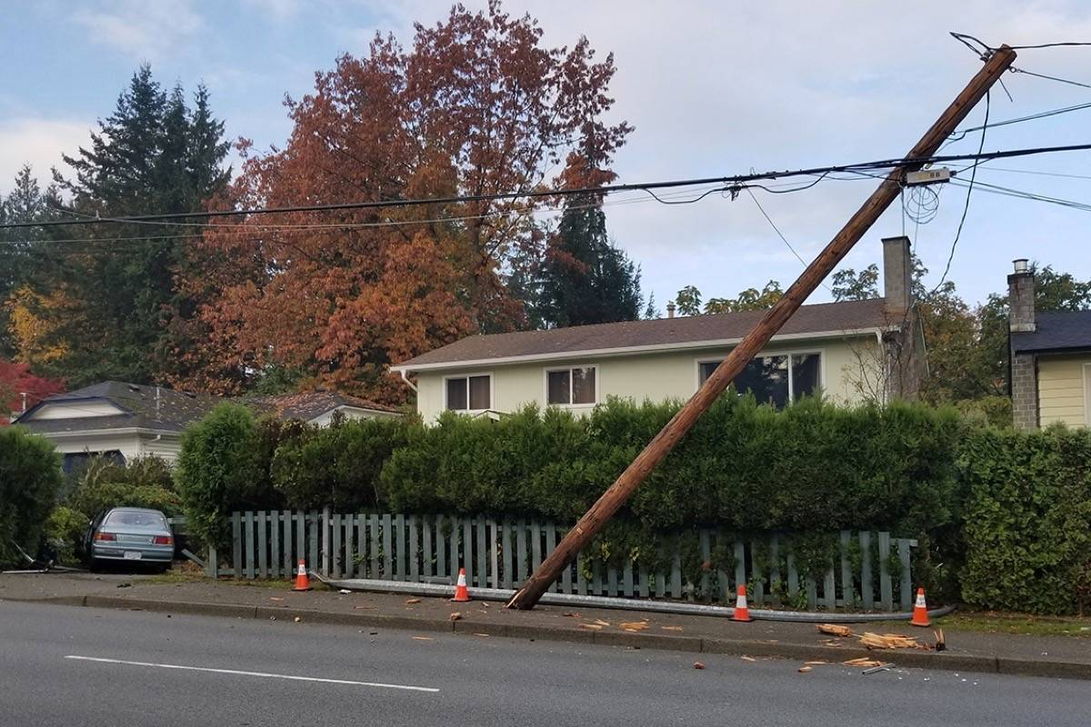 VIDEO: Car takes out utility pole, lamp standard – Langley