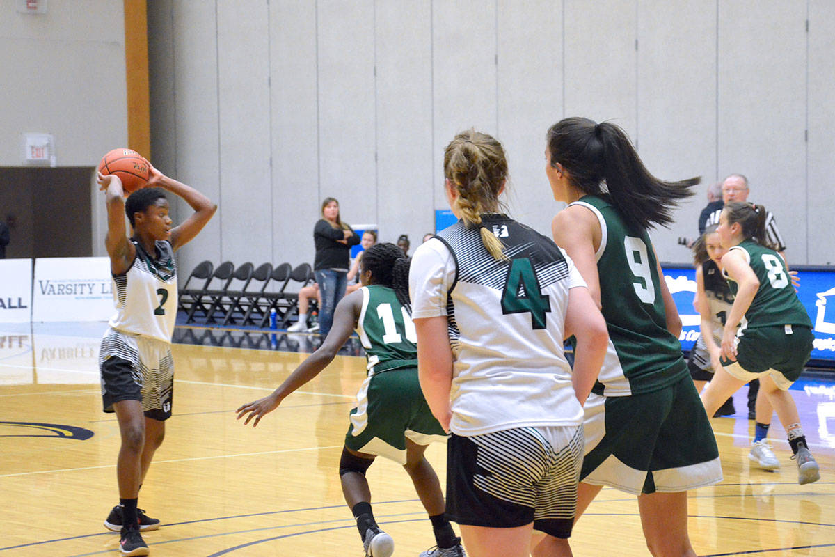 The 2018 Girls Tsumura Invitational basketball tournament had Langley Christian play Walnut Grove on Friday afternoon. (Heather Colpitts/Black Press)
