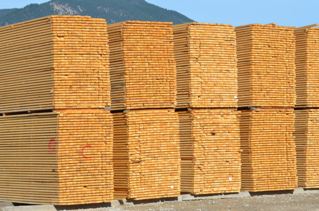 Canfor Corp. extending temporary curtailment of sawmills in B.C.; cutting hours