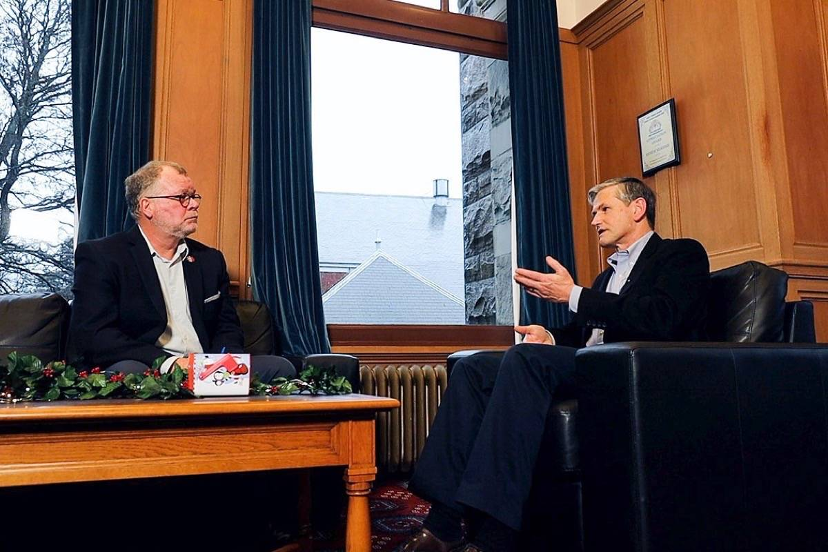 B.C. Liberal leader Andrew Wilkinson takes questions from Tom Fletcher in a year-end interview at his B.C. legislature office, Dec. 11, 2018. (Arnold Lim/Black Press)