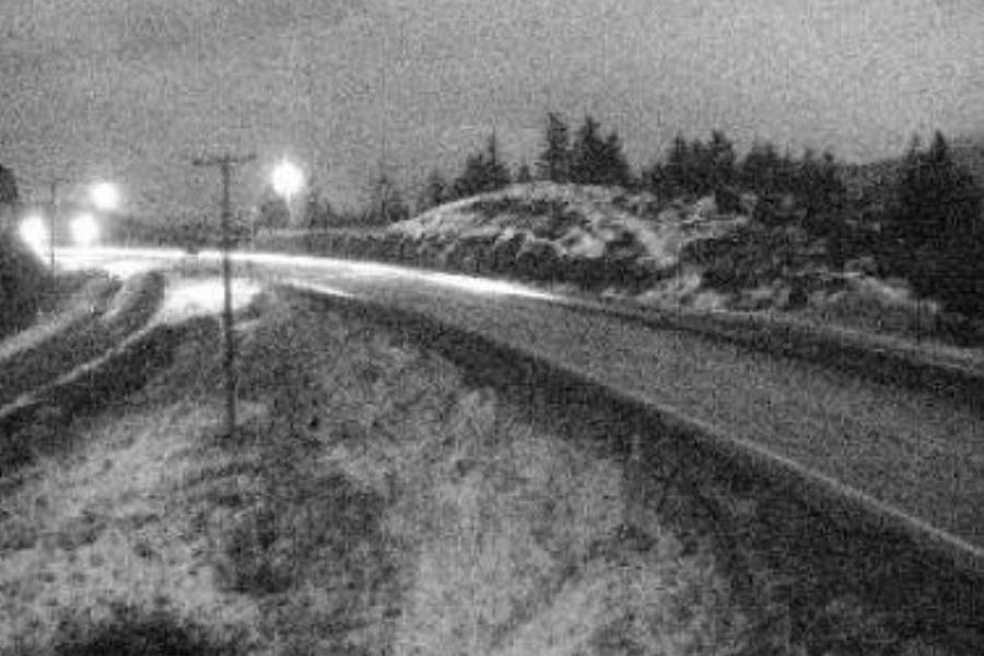 Hwy 5 at Larson Hill, 36 km south of Merritt, looking north, Nov. 26. (elevation: 1025 metres) (IMAGE CREDIT: DRIVEBC)