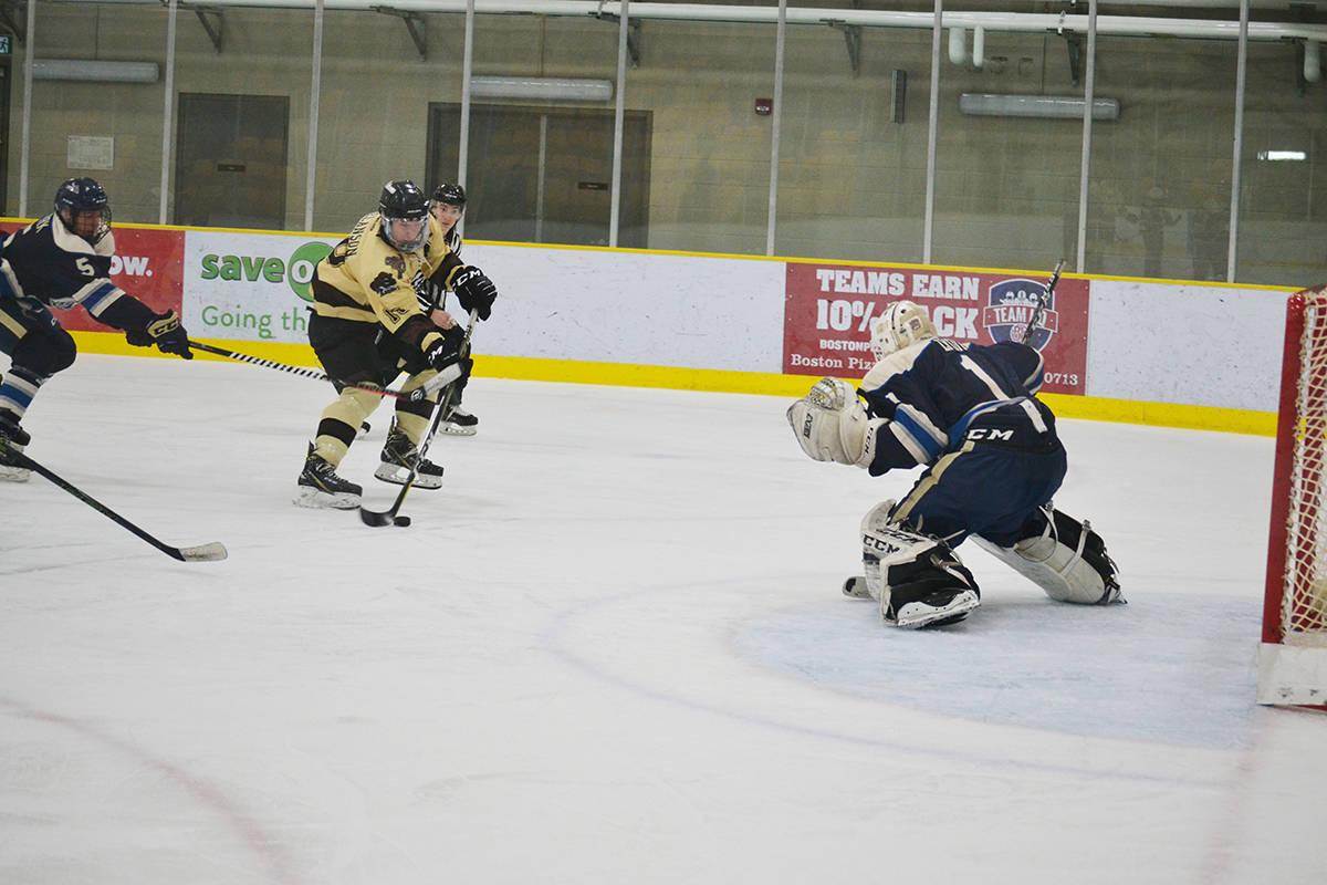 Aldergrove Kodiaks defeat Langley Trappers: ACTION PHOTOS