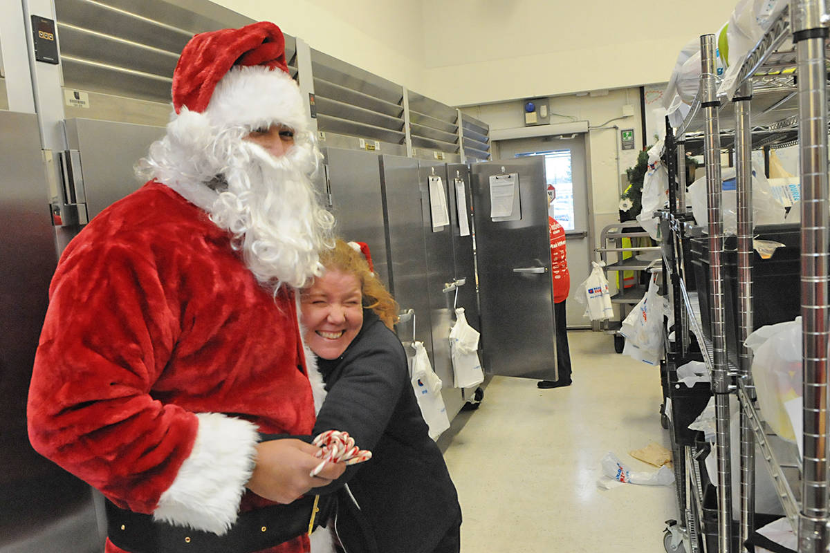VIDEO: Santa pays Langley Superstore an early visit