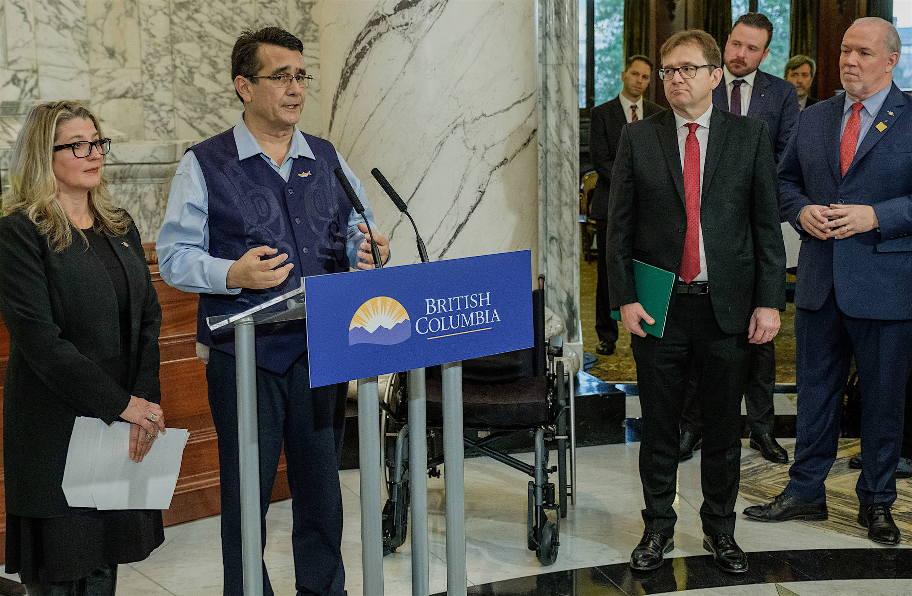 B.C. Agriculture Minister Lana Popham, Union of B.C. Indian Chiefs vice-president Chief Bob Chamberlin, Fisheries and Oceans Minister Jonathan Wilkinson and Premier John Horgan announce closure of coastal salmon farms at the B.C. legislature, Dec. 14, 2018. (B.C. government photo)
