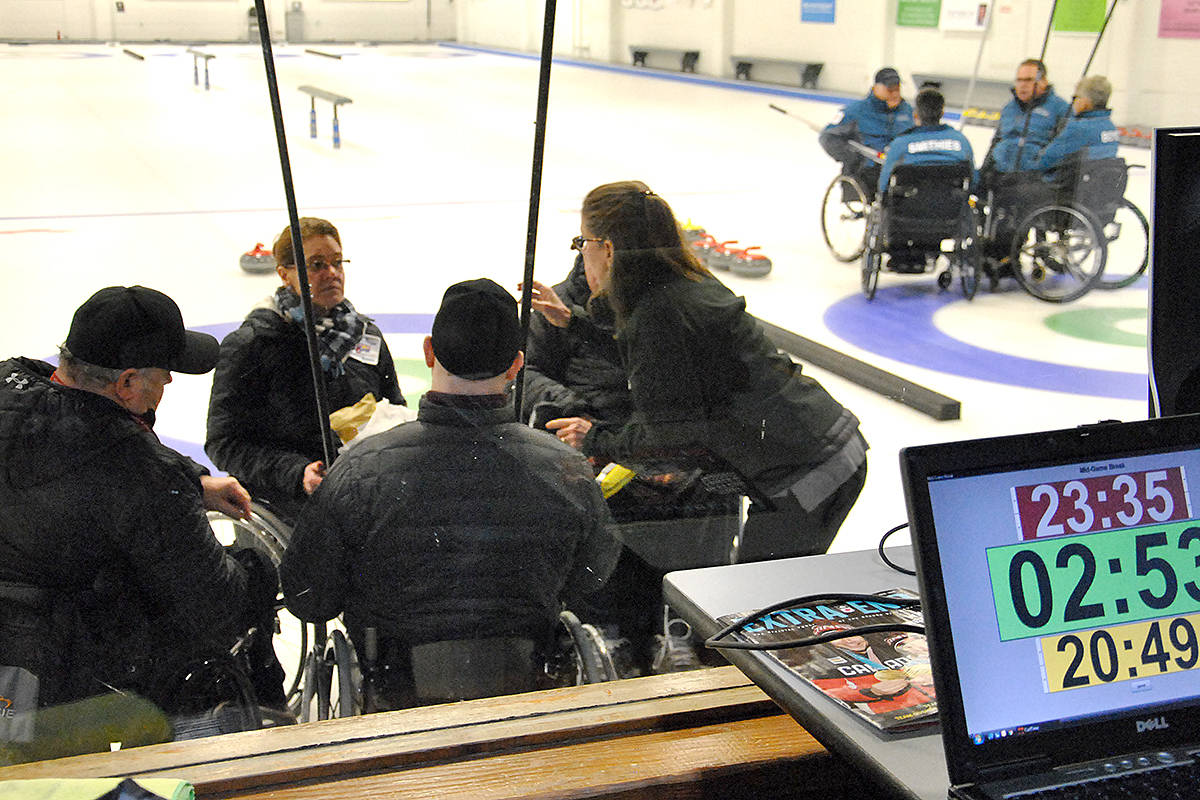 Team Austgarden pulled out a win Friday morning, defeating Team Duddy 6-5. (Roxanne Hooper/Black Press)