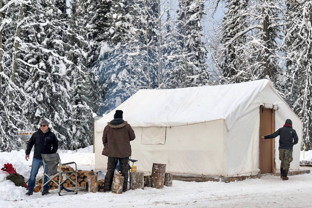 RCMP start to clear Indigenous pipeline protest camps in northern B.C.