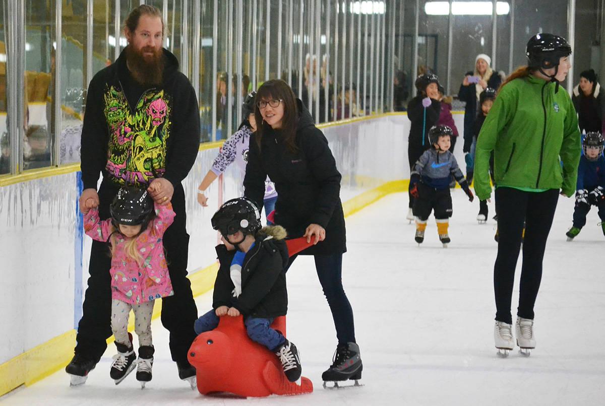 Aldergrove enjoys free skate