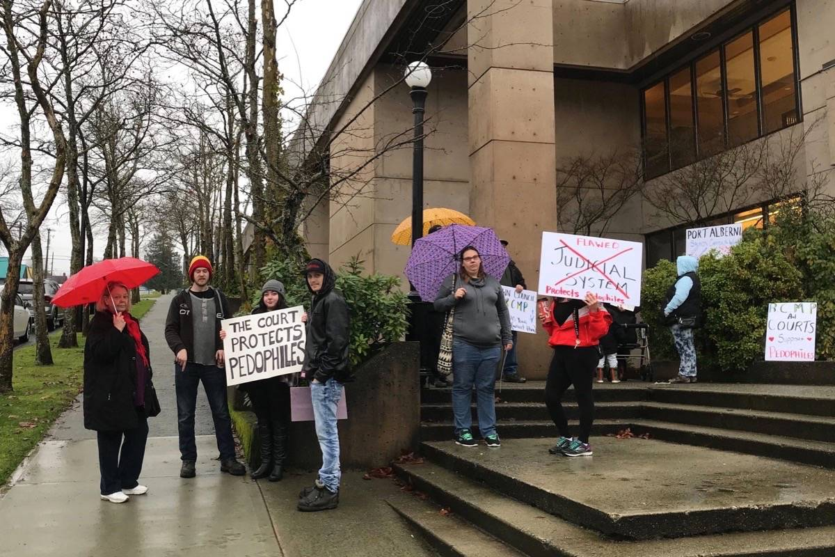 Supporters showed up at the courthouse in Port Alberni for the schedule appearance of a woman and her partner charged with assault causing bodily harm and unlawful confinement on Jan. 11, 2019. (Susie Quinn/Alberni Valley News)