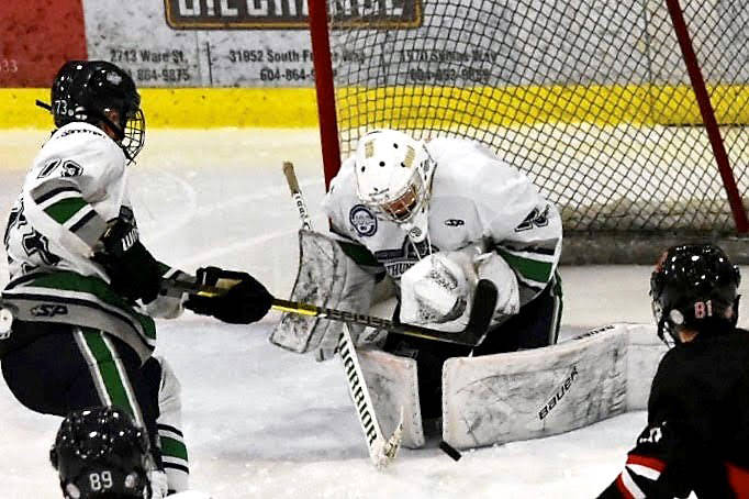 Fraser Valley Thunderbirds goalie Ryan Siteman in action during a three-game series against the Caribou Cougars. Photo by Matt Brooks