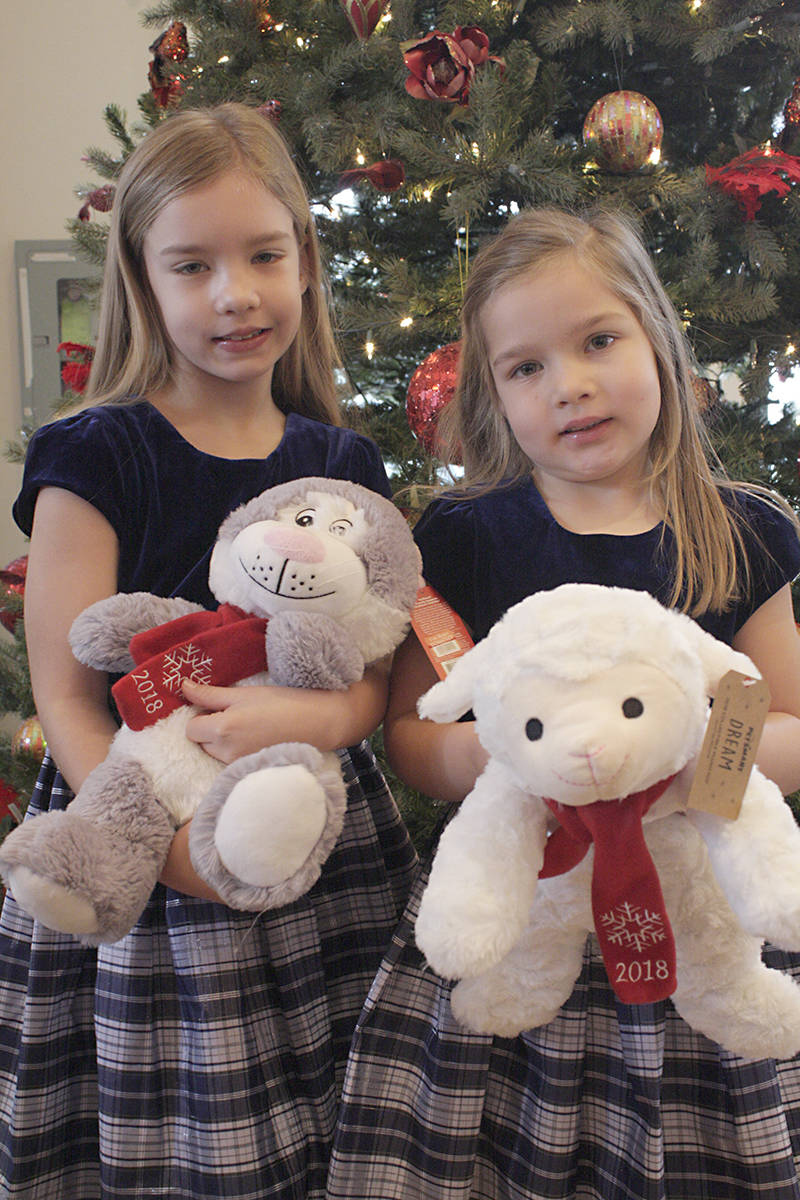 Sisters Brooklynn, 7, and Mackenzie, 5, showed up in coordinated outfits.