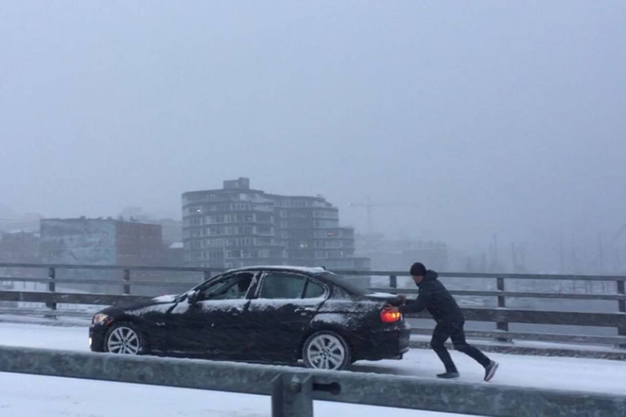 Victorians aren't used to the white stuff, so here are some snow tips to help drivers out. (Nicole Crescenzi/News Staff)