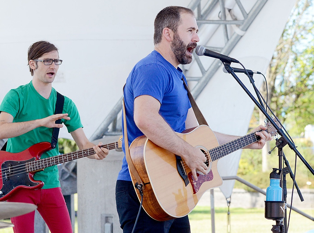 Free family concert in Langley park